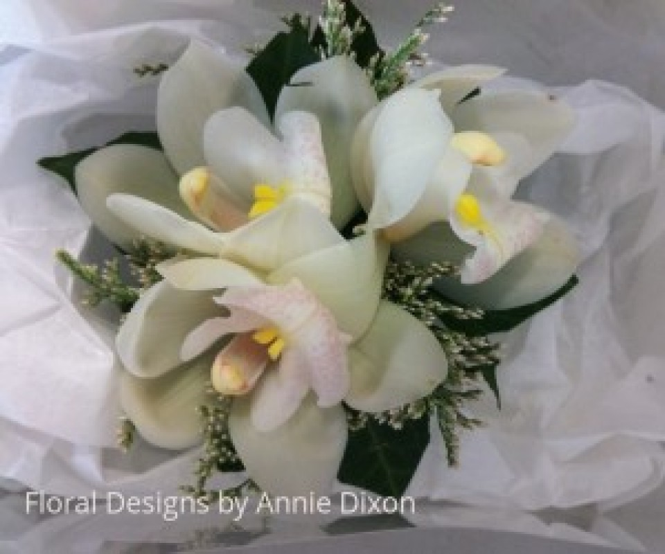 Cymbidium and Fairy Statice corsage